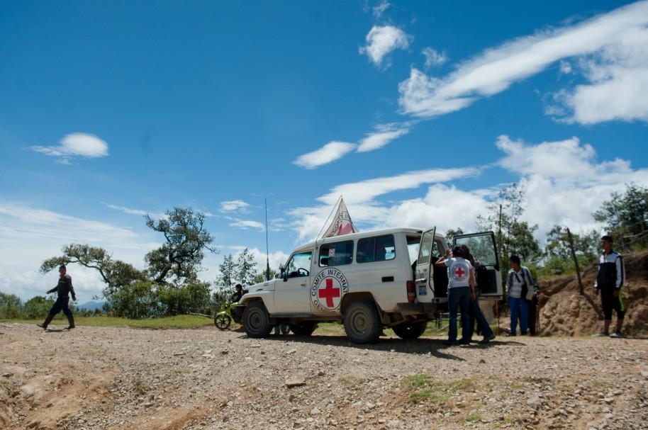 Miembros de la Cruz Roja trabajan en una zona rural colombiana (imagen de archivo)