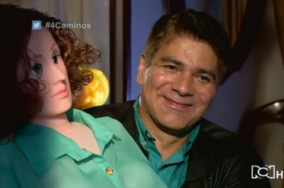 'Carla' y Gabriel González