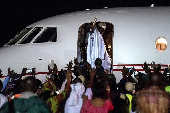 Yahya Jammeh deja el país