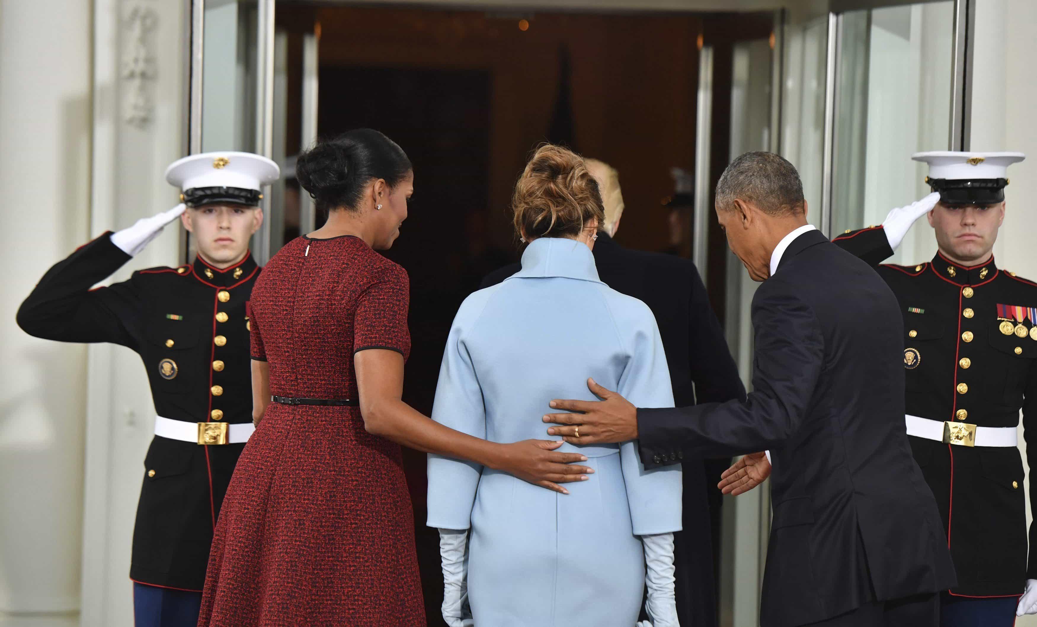 Trump se reúne en la Casa Blanca con Obama antes de la transmisión de mando