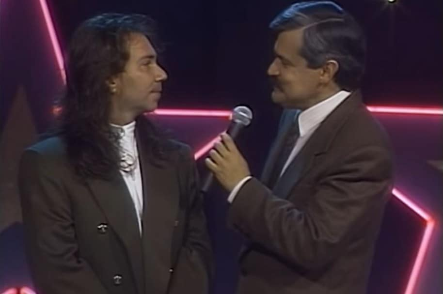 Elkin Ramírez, vocalista y líder de Kraken, junto a Jorge Barón, presentador de 'El show de las estrellas'.