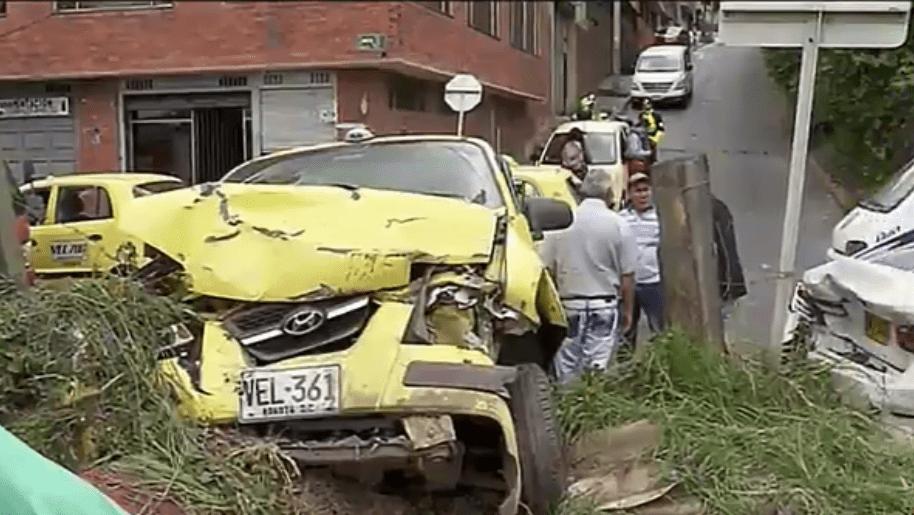 Taxi involucrado en el accidente