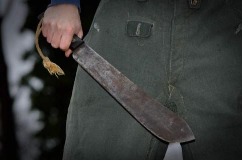Hombre con machete.