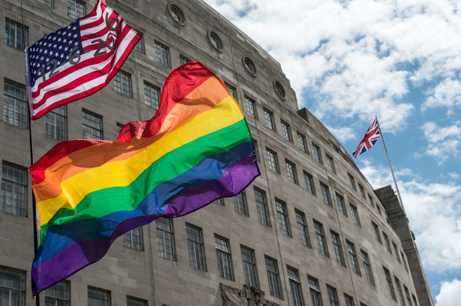 Banderas de EE. UU. y LGBTI