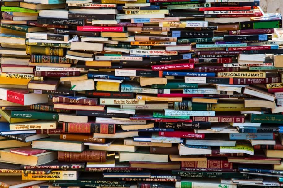 Instalación de libros en Cartagena
