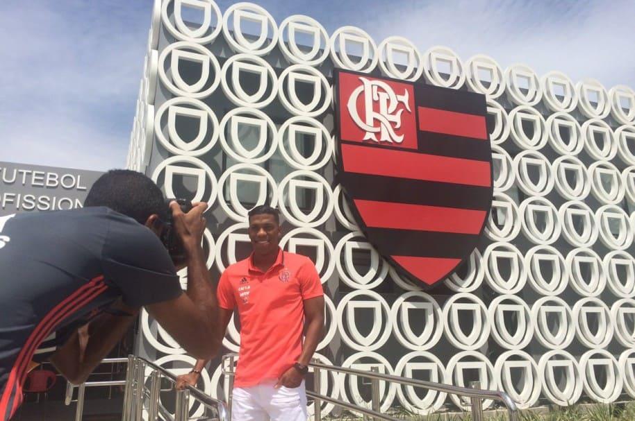 Orlando Berrío, a su llegada a las instalaciones de Flamengo