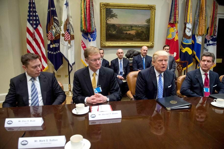 Reunión Donald Trump con líderes de la industria.