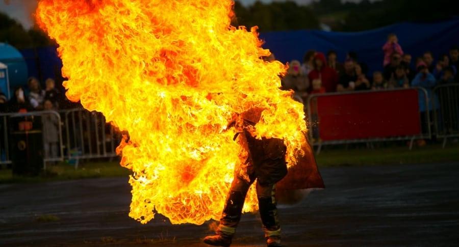 Hombre prendido en fuego. Pulzo.com