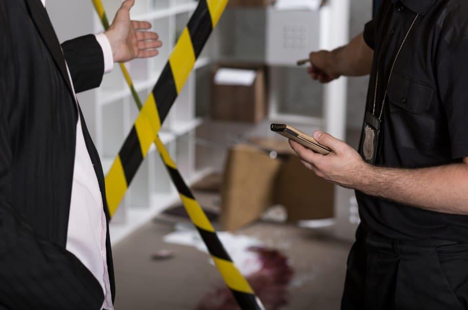 Investigadores en escena del crimen (imagen de referencia)