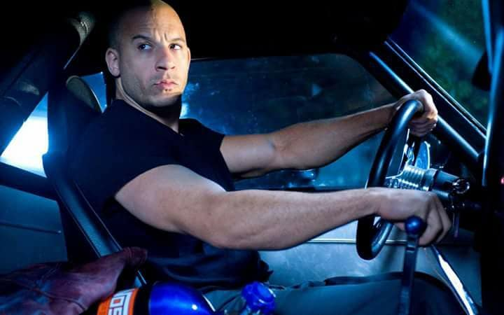 Vin Diesel manejando Uber