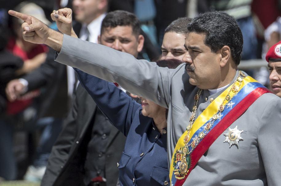 Nicolás Maduro durante un desfile militar en Caracas