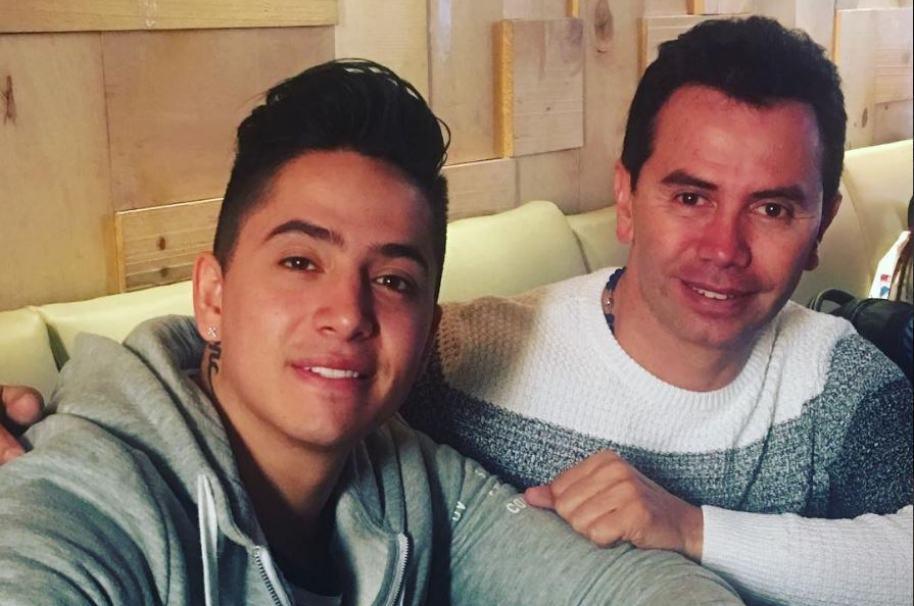 El cantante Andy Rivera y su padre, el también cantante Jhonny Rivera.