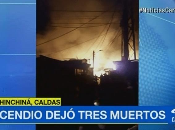 Incendio en barrio La Frontera, en Chinchiná, Caldas. Pulzo.com