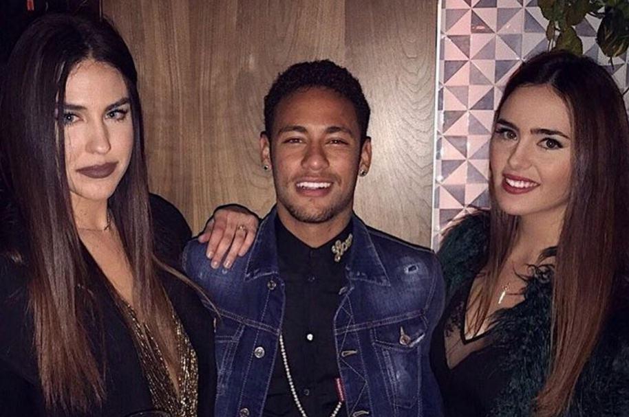 Neymar y amigas