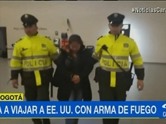 Mujer detenida en Aeropuerto El Dorado. Pulzo.com