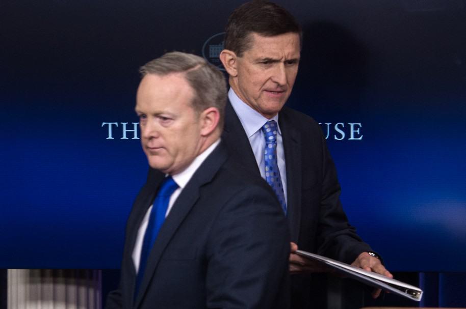 Michael Flynn renuncia como asesor de la Casa Blanca