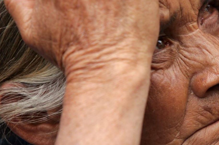 Abuela golpeada