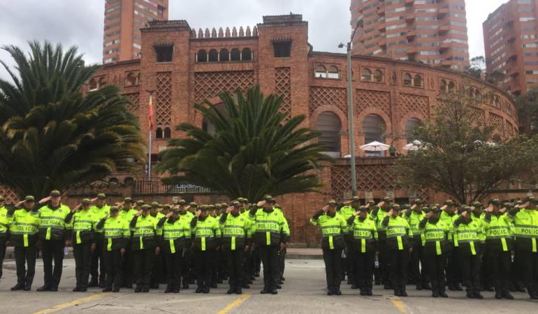Policias en la plaza de toros La Santamaría