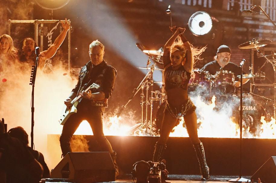 James Hetfield, Lady Gaga y Lars Ulrich