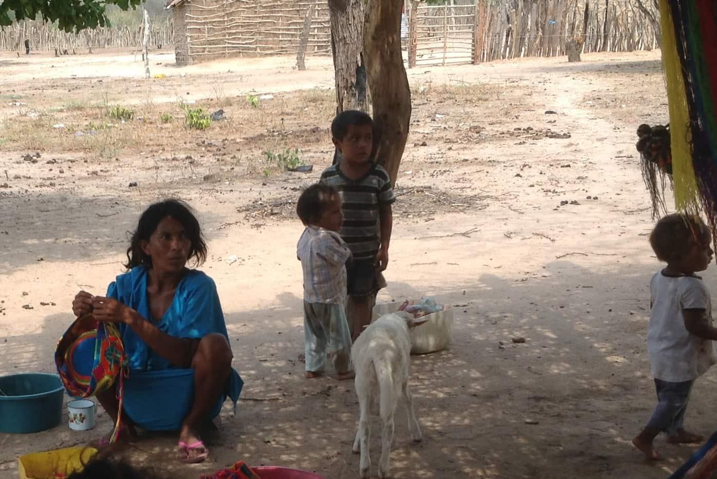 Desnutrición de niños en la Guajira