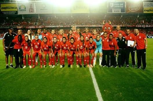 Las Diablas Rojas son unas de las favoritas en la primera Liga Femenina de fútbol en Colombia