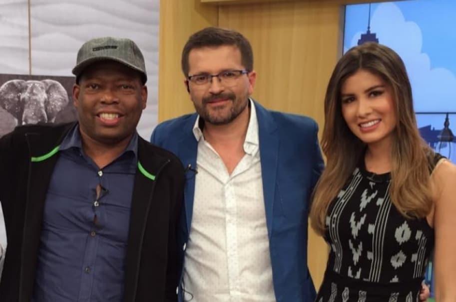 La presentadora Mónica Molano junto al actor Julio César Herrera y al exfutbolista Faustino 'el Tino' Asprilla.