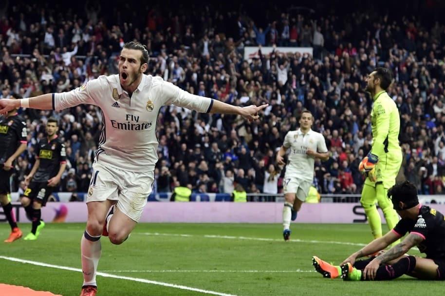 Bale celebrando su gol con el Real Madrid, en partido frente al Espanyol.