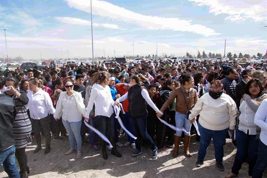 Muro humano en frontera