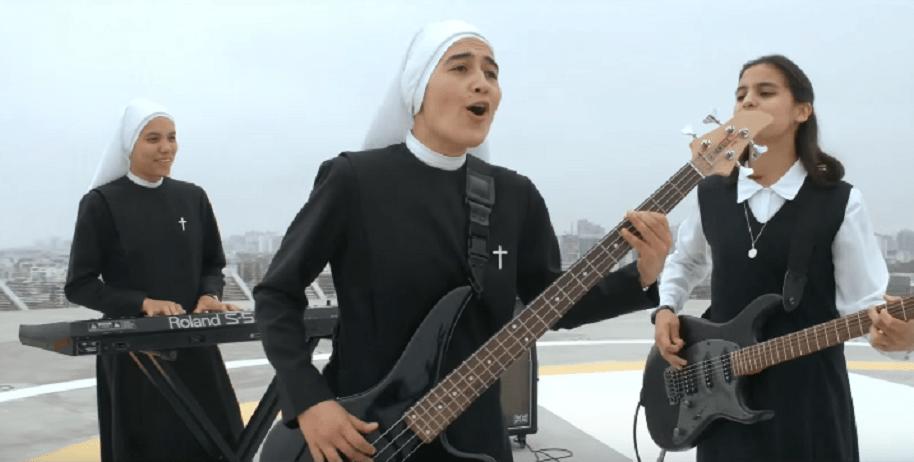 Monjas formaron grupo de rock