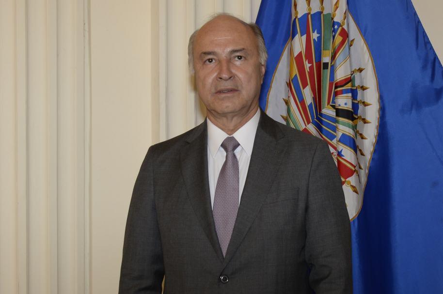 Enrique Gil Botero