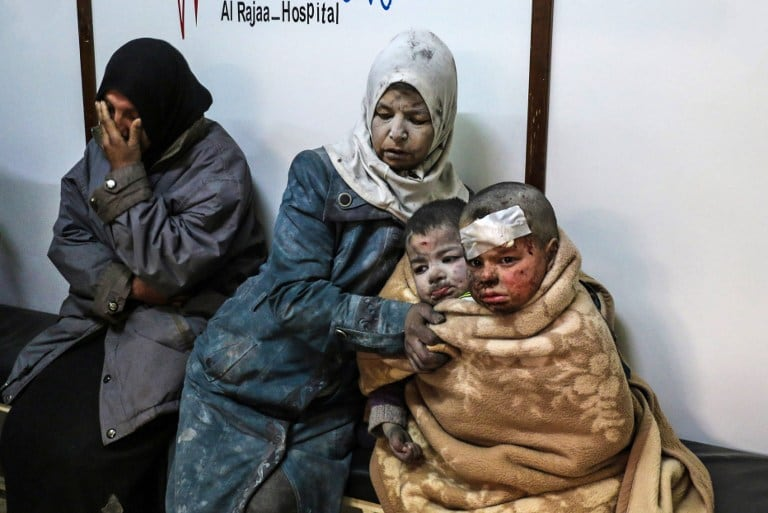 Niños sirios heridos por ataque. Pulzo.com