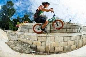 Julián Molina - Bump to wallride