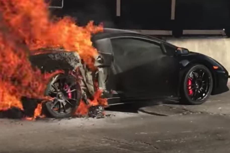 Lamborghini destrozado en Miami.