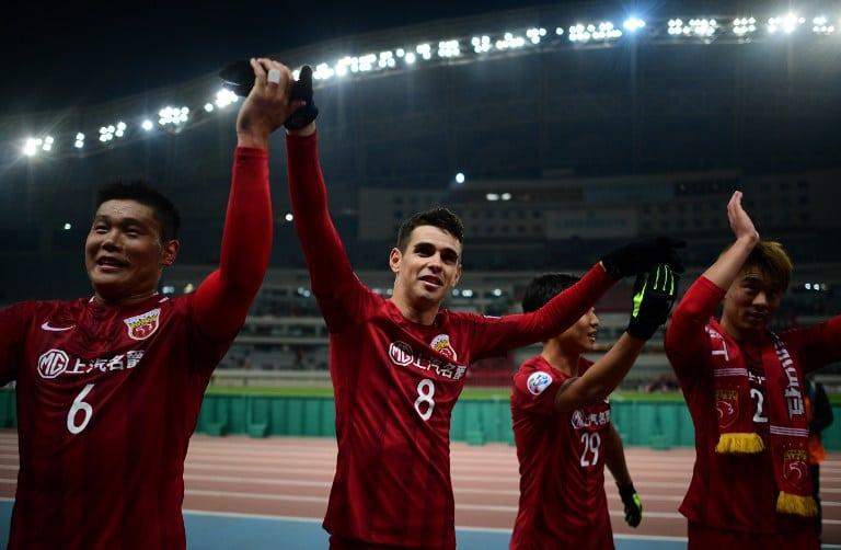 Futbolistas en China