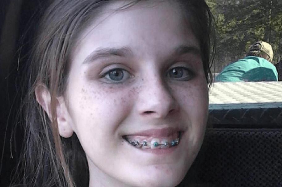 Aparece fantasma en selfie de niña de 13 años