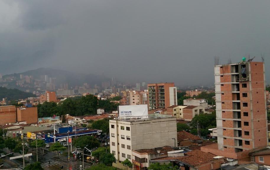 Fuertes lluvias en Medellín