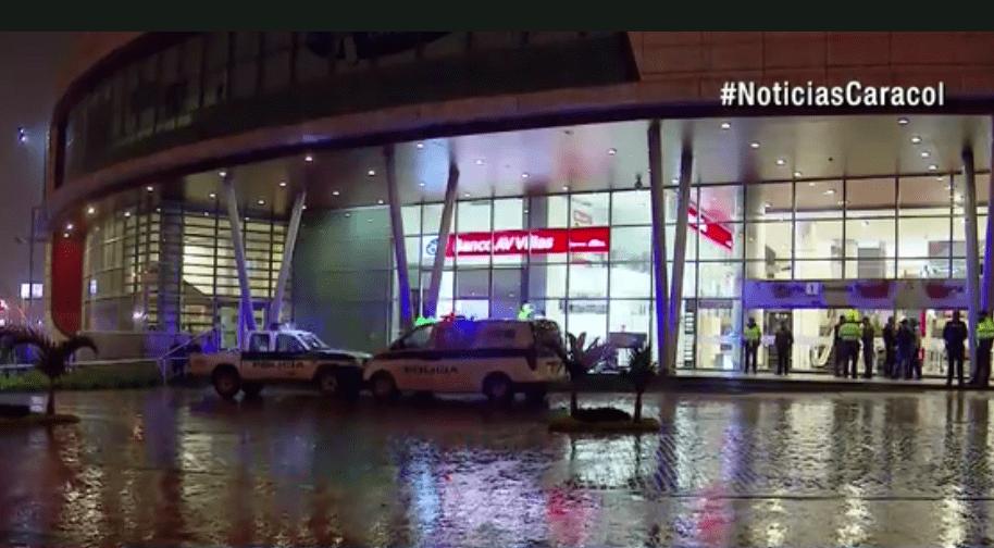 Crimen frente al centro comercial Titán Plaza