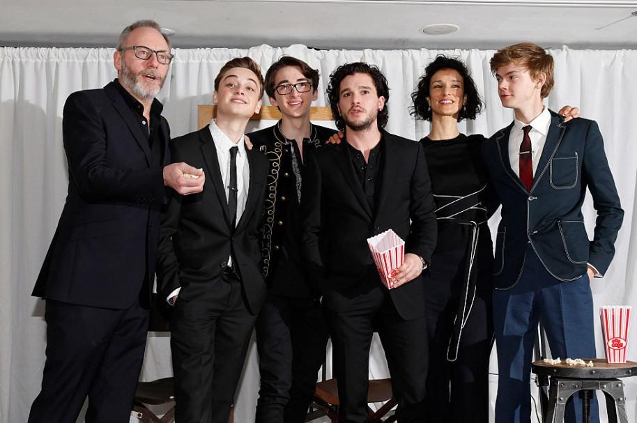 Liam Cunningham, Dean-Charles Chapman, Isaac Hempstead-Wright, Kit Harington, Indira Varma y Thomas Brodie-Sangste de 'Game of Thrones'