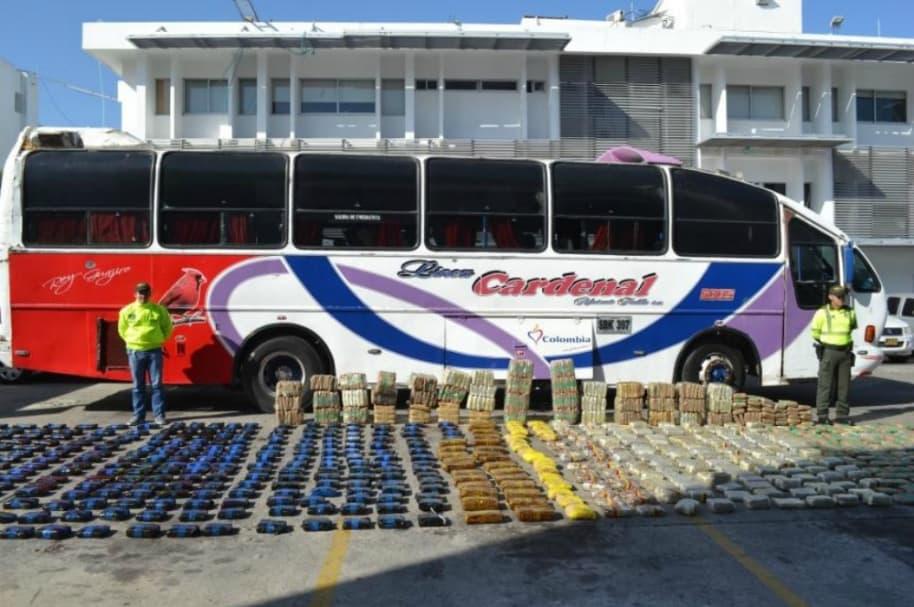 Bus intermunicipal con droga al interior.