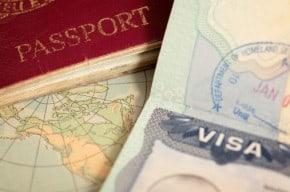 Visa y pasaporte.