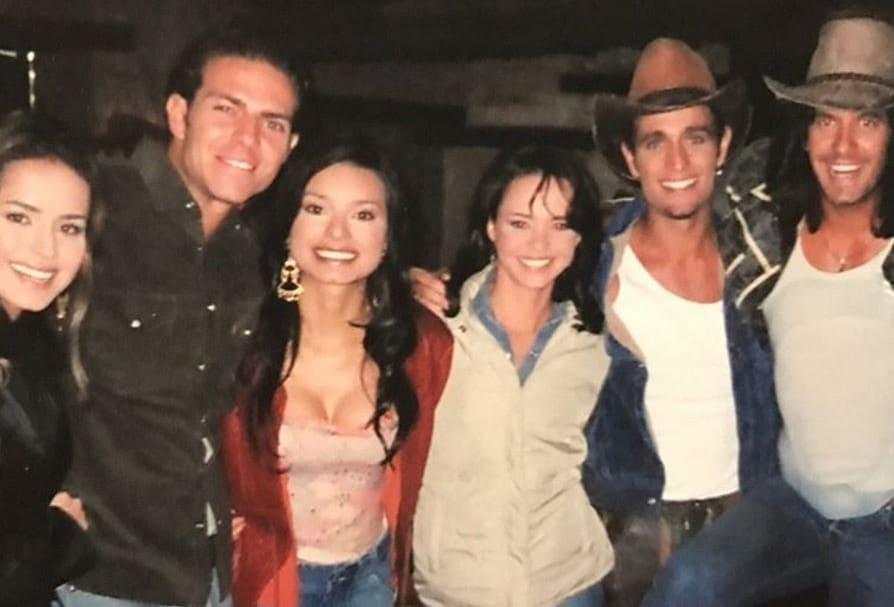 Danna García,  Juan Alfonso 'el Gato' Baptista, Paola Rey, Natasha Klauss, Michel Brown y Mario Cimarro, protagonistas de 'Pasión de gavilanes'.