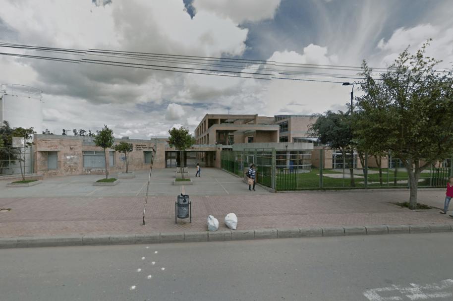Colegio Carlos Pizarro, ubicado en la localidad de Bosa