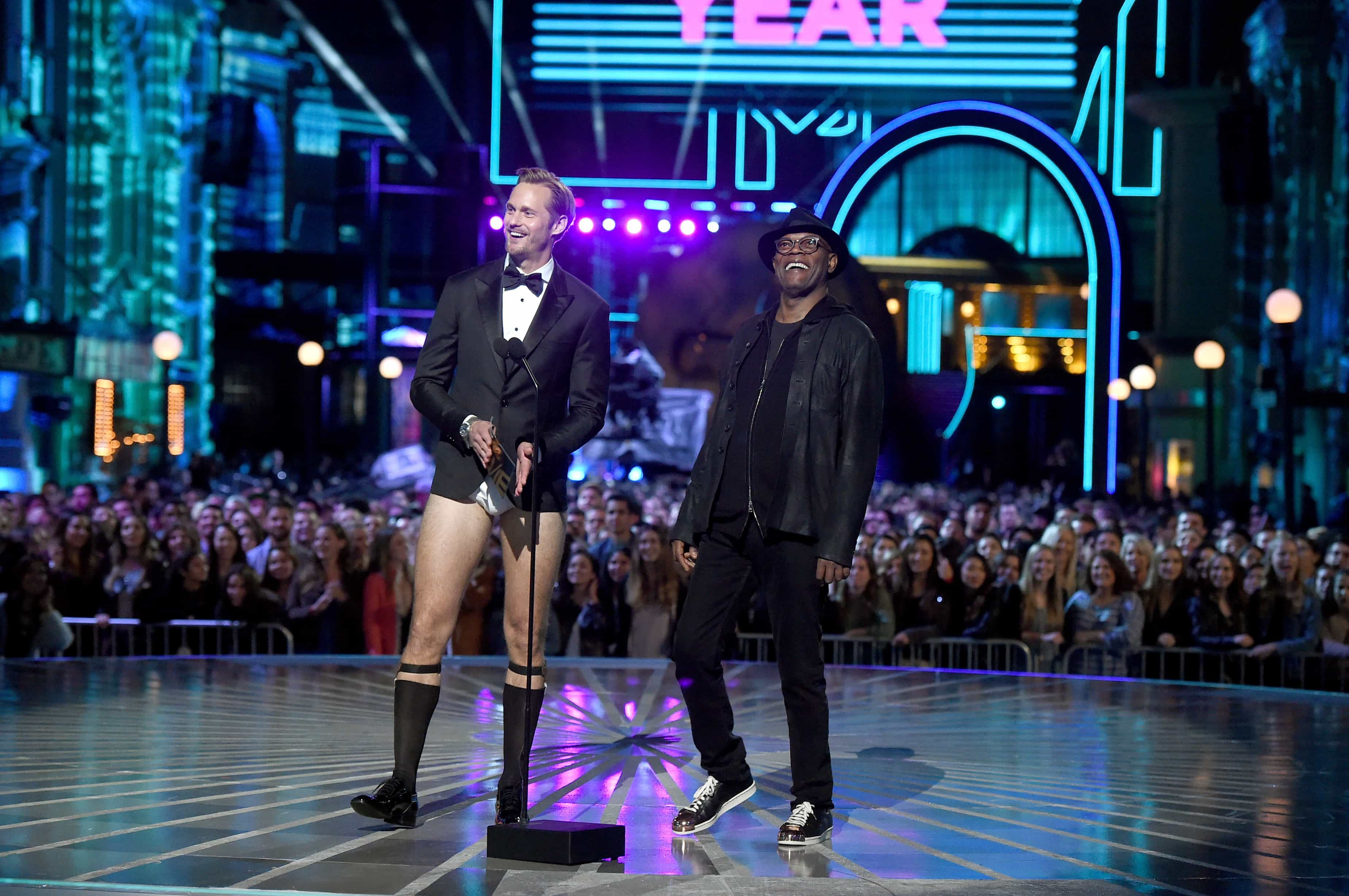 Alexander Skarsgard y Samuel L. Jackson en los MTV Movie Awards 2016