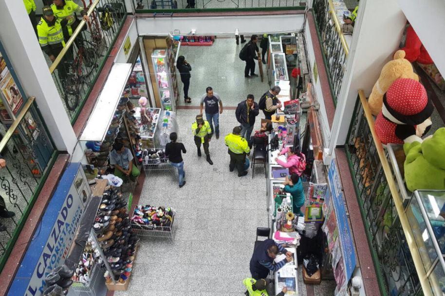 Operativos en centros comerciales de San Victorino