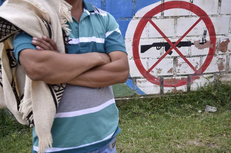 Imagen de indígenas contra la violencia