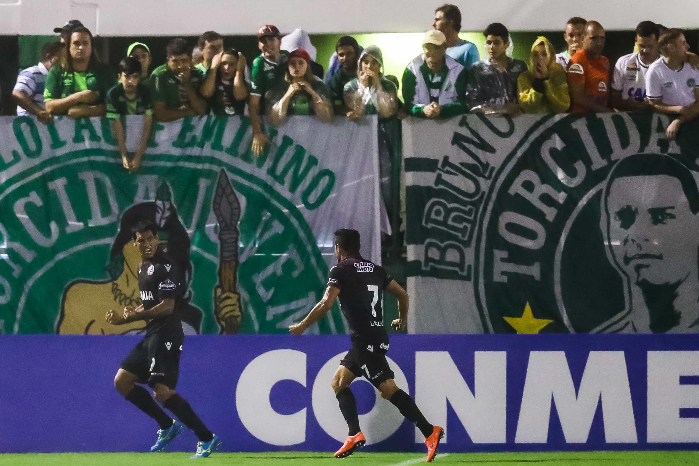 Chapecoense vs Lanus - Copa Bridgestone Libertadores 2017