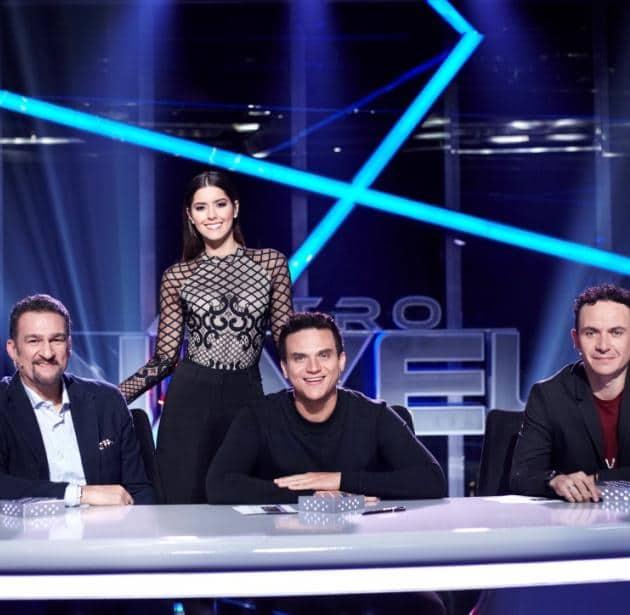 La ex Miss Universo Paulina Vega junto a Kike Santander, Silvestre Dangond y Fonseca, cantantes y jurados de 'A otro nivel'