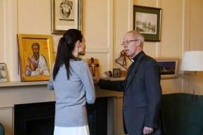 Angelina Jolie y el Arzobispo de Canterbury  Justin Welby