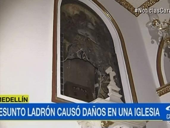Vitral destruido por presunto ladrón en iglesia de Medellín. Pulzo.com