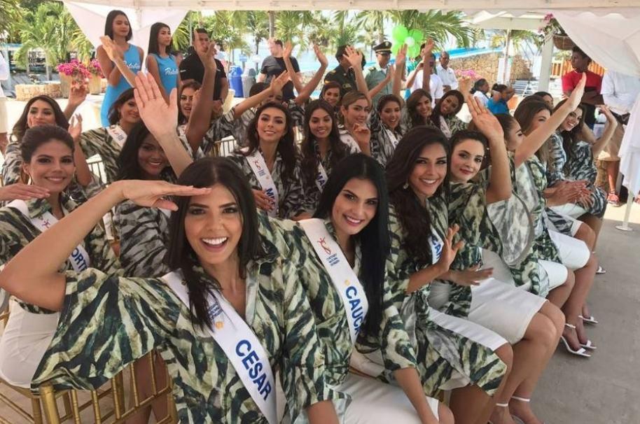 Las candidatas al Reinado Nacional en la elección de la reina de la Policía.